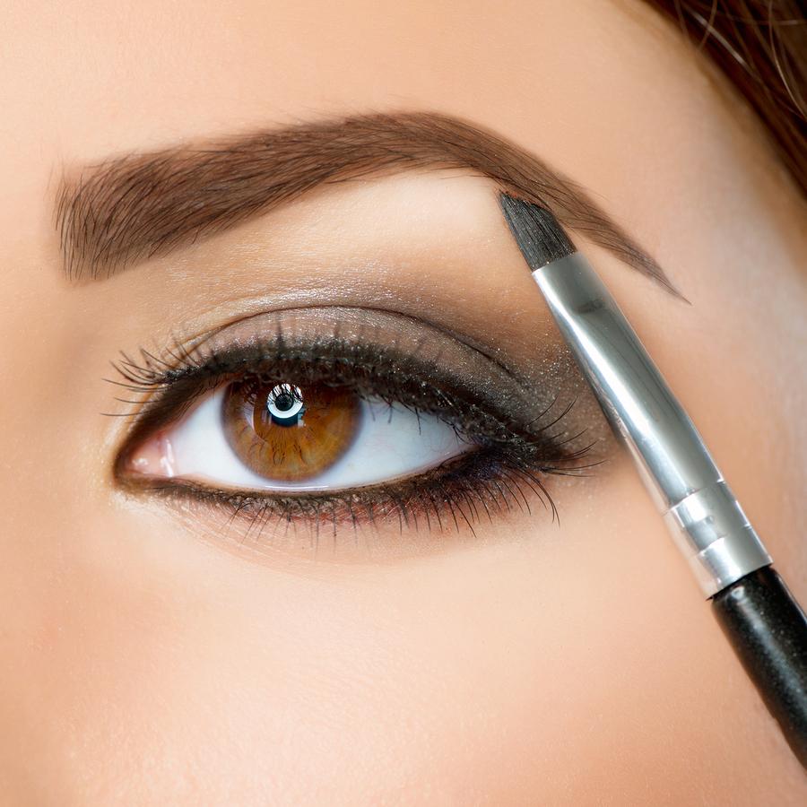 Makijaż permanentny powiek – kreski.